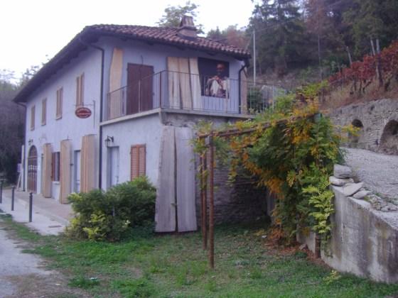 S. Stefano Belbo (CN), casa di Nuto (novembre 2009).